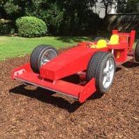 1060 Alfred Grünwald Park: Spielauto Wippe für zwei kleine FahrerInnen
