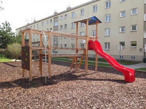 Kinderspielplatz 1100 Wien, Grenzackerstraße 7-11: Spielanlage für Wohnhausanlage