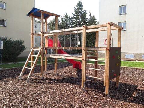 Kinderspielplatz 1100 Wien, Grenzackerstraße 7-11: Spielkombination mit Rutsche