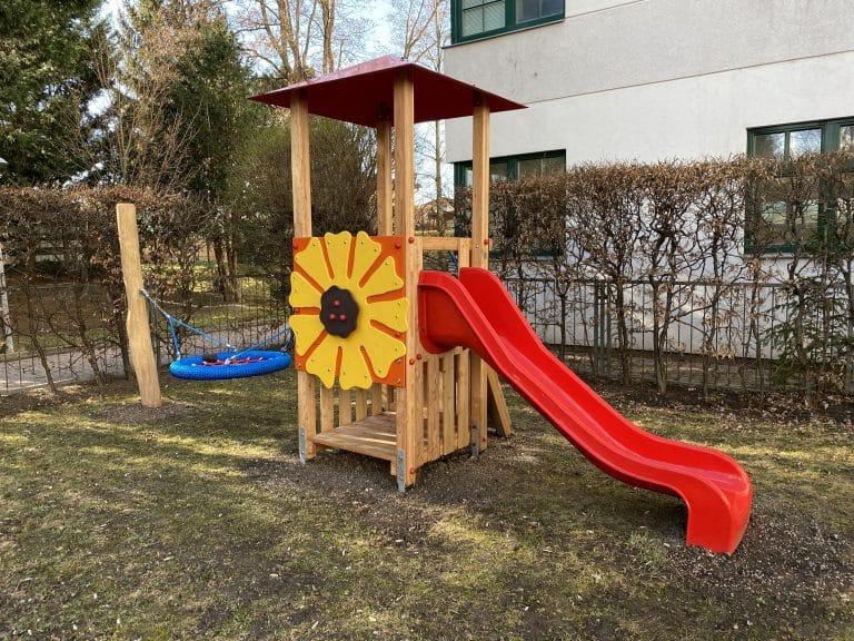 Kleinkinder Spielkombi Sunflower Seitenansicht