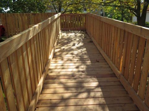 1120 Wien, Endergasse: Holzbrücke von FREISPIEL
