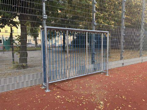 Bolztor schmal von FREISPIEL im Hermann Leopoldi Park