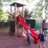 1120 Wien, Tanbruckgasse 26: Kinderspielplatz in Kindergarten