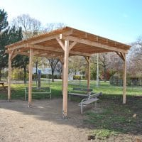 Wiener Flur Park Holzpavillon