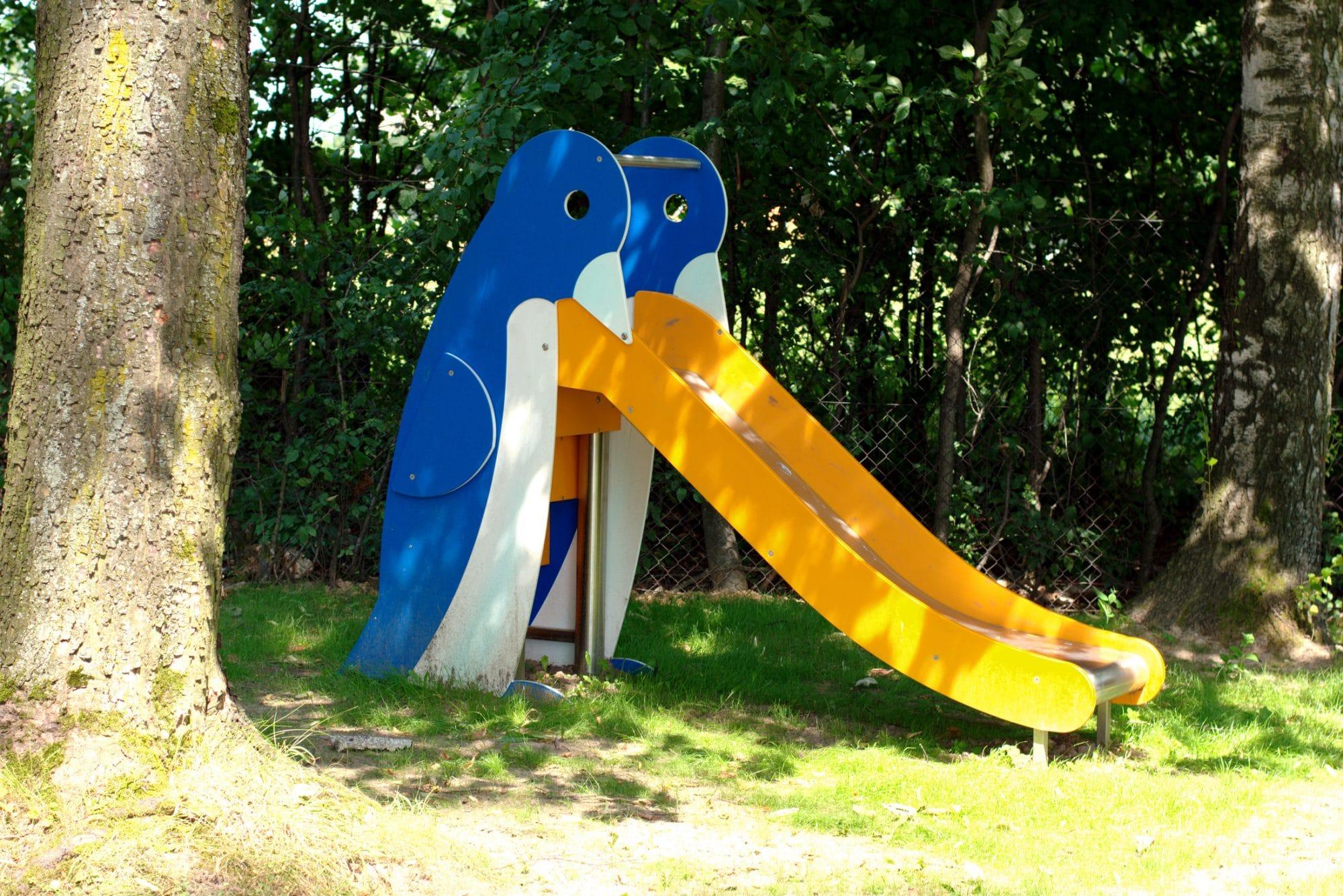 Seite Rutschbahn Pinguin