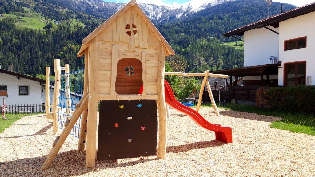 Neuer Spielplatz Tirol