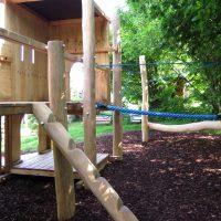 Burganlage für einen Kinderspielplatz von FREISPIEL - Kletterparcour