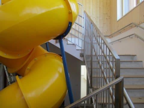 Rutsche im Stiegenhaus: Spielidee von FREISPIEL