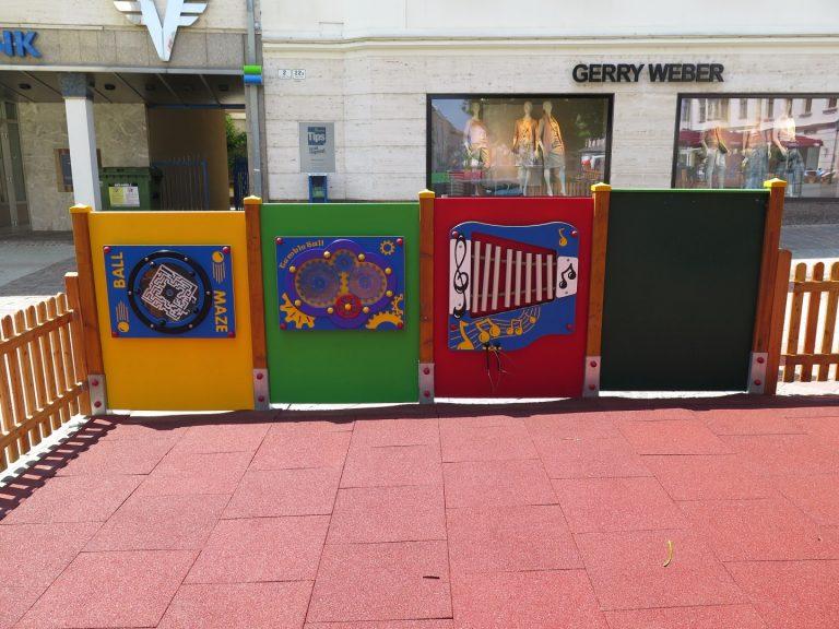 Spielwand für Kinderspielplatz