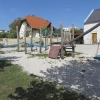 Spielplatz mit Spielgeräte von FREISPIEL