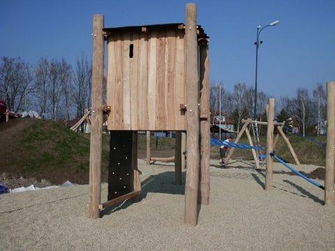 2203 Großebersdorf: Spielplatz-Turm