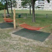 neue Hängematten von FREISPIEL in der Parkanlage Polgarstraße