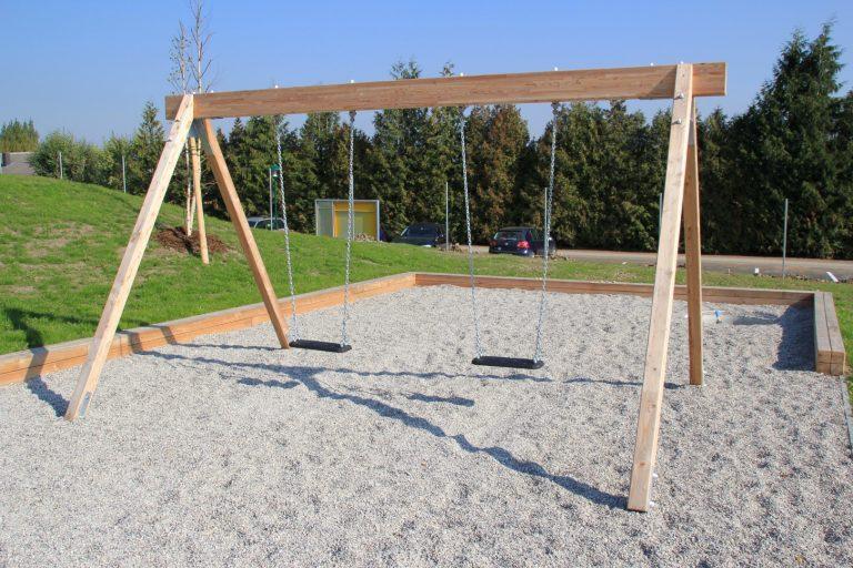 Doppelschaukel bei FREISPIEL, dem Spielplatzbauer aus Wien