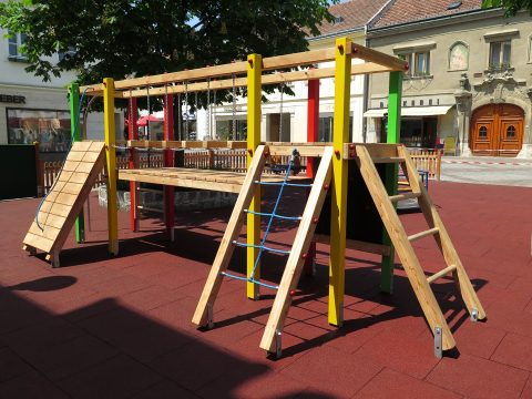 Spielkombination Martha bei FREISPIEL, dem Spielplatzbauer in Österreich, kaufen