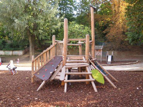 Kletteranlage vom Spielplatzbauer FREISPIEL im Heiligenstädter Park