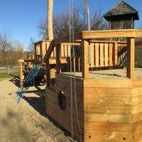 Gestrandetes Spielschiff für Spielplatz Sandaufzug