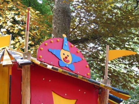 1060 Wien, Stumpergasse, Hubert Marischka Park: Spielplatz Detail Clown