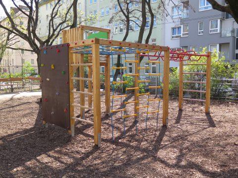 Rückseite Spielgerät von FREISPIEL im Wielandpark