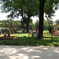 1150 Wien, Auer-Welsbach Park: SSpielplatz-Umzäunung