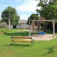 2171 Herrnbaumgarten: Spielplatz mit Sitzbank