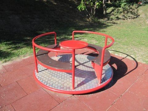Sitzkarussell von FREISPIEL, dem Spielplatzbauer aus Wien