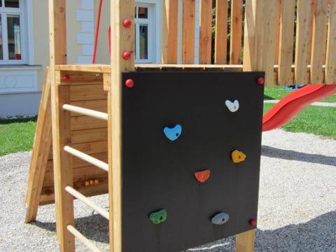 Kletterwand mit Griffen senkrecht Basic & Premium