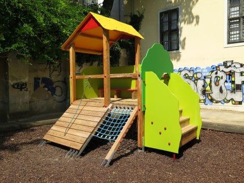 1080 Wien, Lange Gasse/Florianigasse Schönbornpark: Kinderspielplatz von FREISPIEL