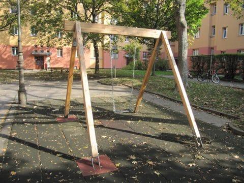 Einfachschaukel aus Holz