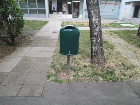 Abfallbehälter Grün von FREISPIEL