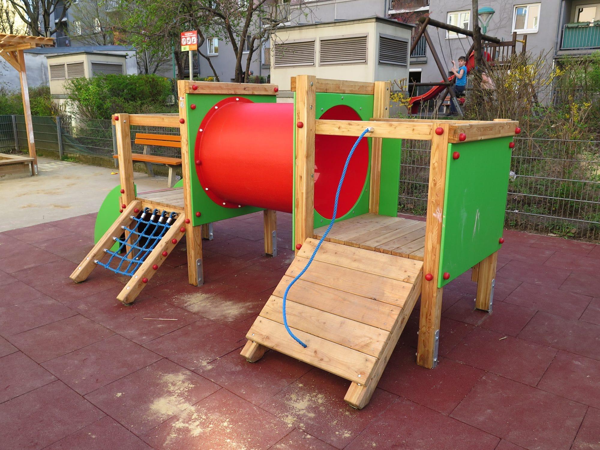 Spielgerätkombination Doppel-Turmanlage Felix von FREISPIEL, dem Spielplatzbauer