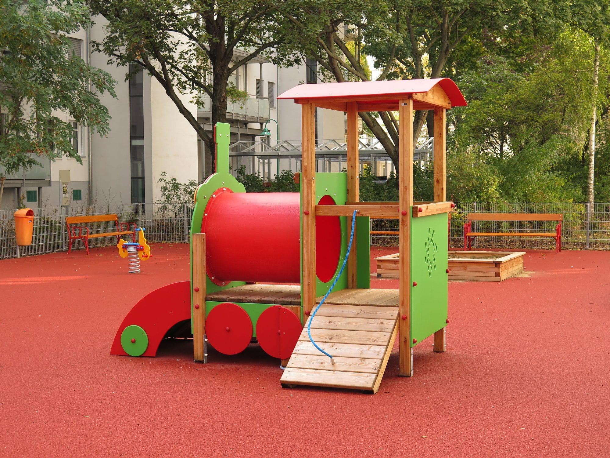 Spielkombination Lokomotive für Kinderspielplätze