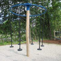Pendelkarussell für einen Kinderspielplatz von FREISPIEL