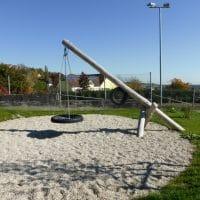 Pendelschaukel für einen Kinderspielplatz von FREISPIEL