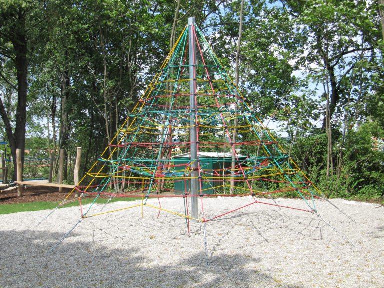 Kletternetzpyramide groß - FREISPIEL