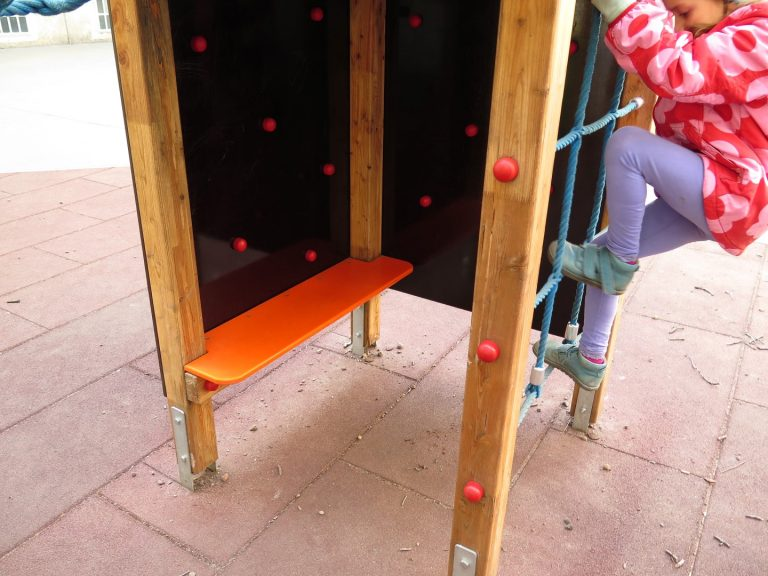 Rutschturm Sitzbank von FREISPIEL