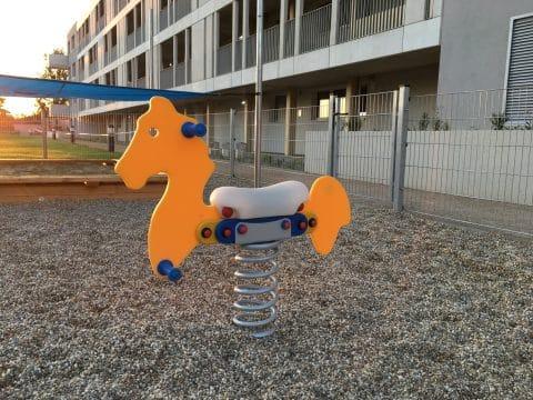 Federwippe Pferd bei FREISPIEL