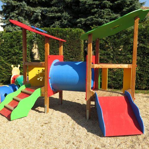 Smile Mini Spielplatzprodukte bei FREISPIEL, dem Spielplatzbauer aus Wien, kaufen
