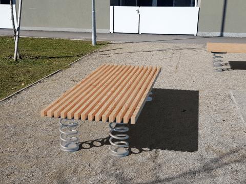 Sit & Move Bench 240x130cm Seitenansicht